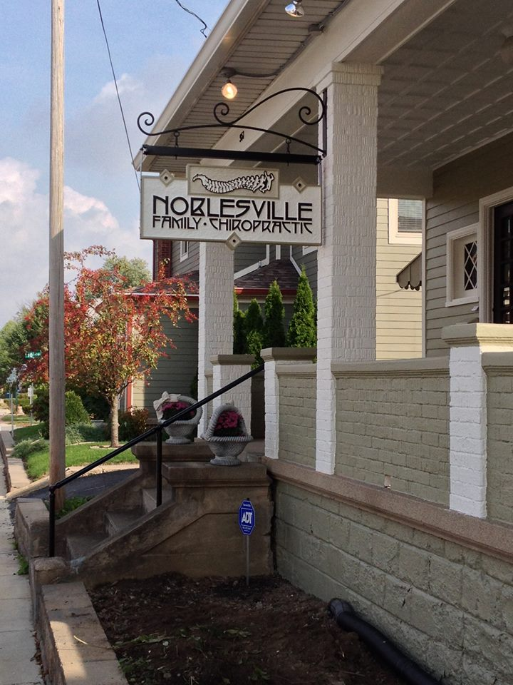 noblesville family chiropractic sign